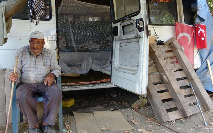 Aydın'da kiralık evinden sıkılıp minibüste yaşamaya başladı