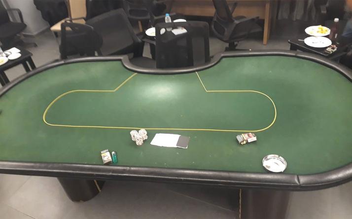 Adana'da koronavirüse rağmen mührü kırıp kumar oynayanlara baskın