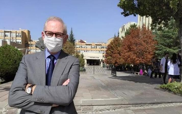 Prof. Dr. Murat Akova: Covid-19 aşısı Türkiye'de yılbaşından sonra kullanılabilir olacak