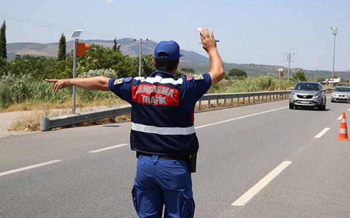 Gaziantep'te jandarma 'hamileyim' yalanına kanmadı! Kadının karnından çıkanlar şok etti