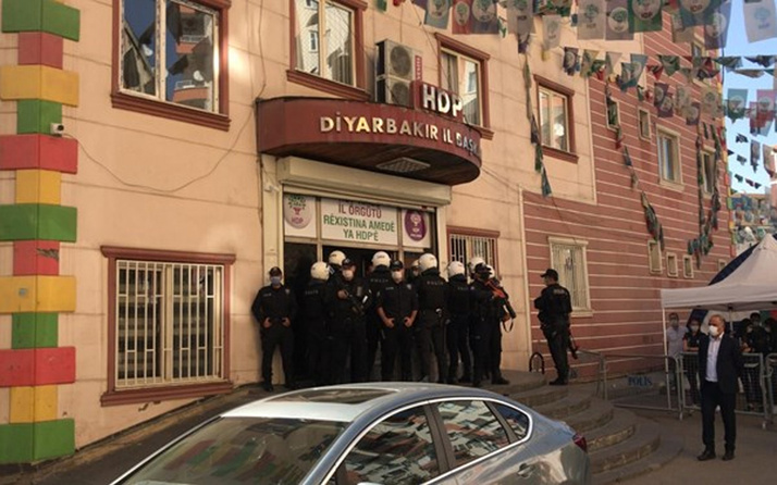 Son dakika! HDP Diyarbakır il eş başkanları gözaltına alındı