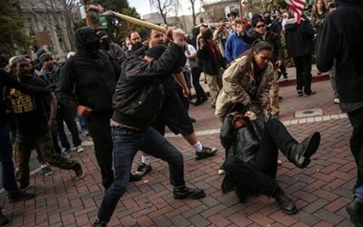 ABD'de seçime günler kala tansiyon yükseldi! Trump destekçileriyle karşıtları arasında kavga çıktı