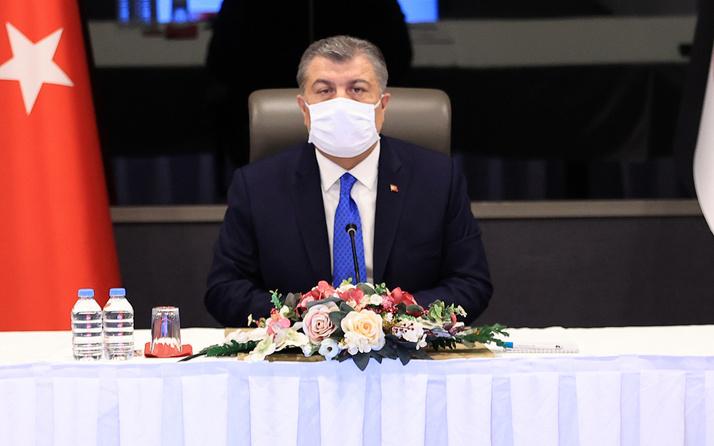 Sabah yazarı Hıncal Uluç'tan Bakan Fahrettin Koca'ya sert eleştiriler