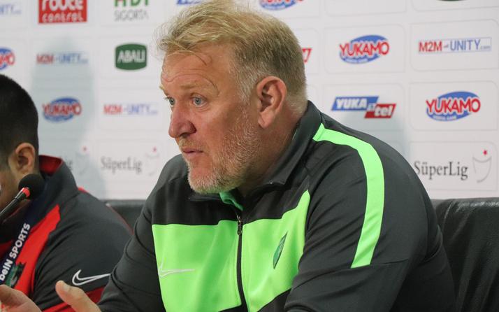 Prosinecki VAR'a sitem etti: Çok net olan penaltı görülmüyor