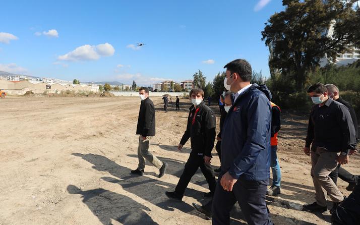 Bakan Murat Kurum yapımına başlanan konteyner kentte incelemelerde bulundu