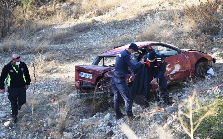 Sürücüsünün direksiyonda uyuduğu otomobil 20 metreden yuvarlandı