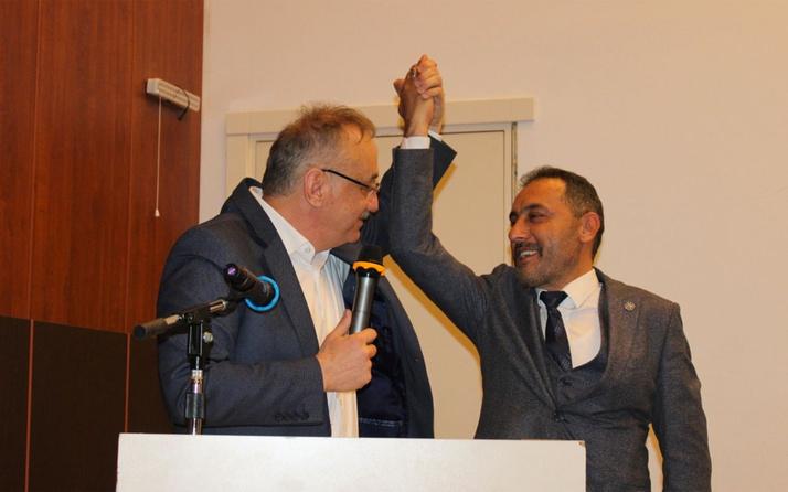 Bursa'nın Yenişehir ilçesinde İYİ Parti'den meclis üyeleri ile üyeler istifa etti