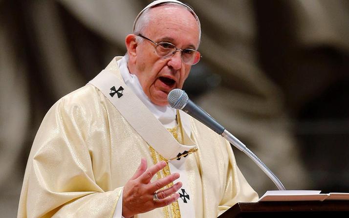Papa'nın Instagram hesabından atılan beğeniye Vatikan'dan soruşturma