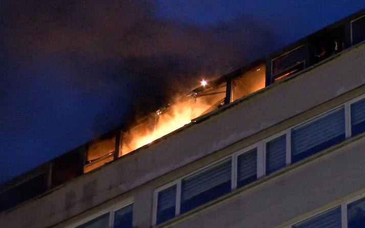 Şişli'de perpa iş merkezi'nde işyeri yangını