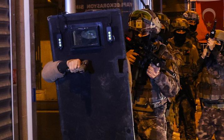 İstanbul merkezli 3 ilde silahlı suç örgütüne operasyon! Çok sayıda şüpheli gözaltına alındı