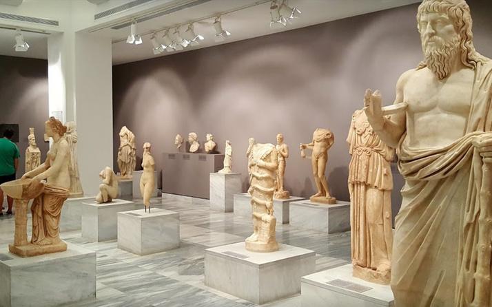 Yunanistan tarihi eserleri gözden çıkarıldı! Yasa tasarısını parlamentoya sundu