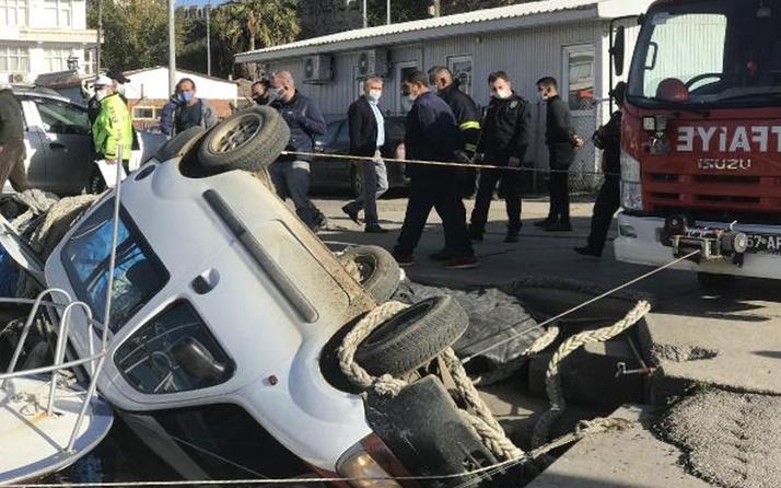 Sinop'ta feci kaza! Araç kıyıdaki tekneye çarptı