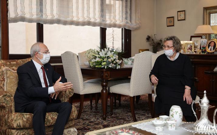 Kemal Kılıçdaroğlu Alparslan Türkeş'in eşi Seval Türkeş'i ziyaret etti