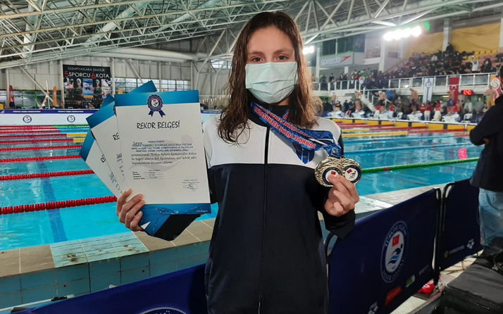 Milli yüzücü Merve Tuncel: Türk genci olarak mutluyum