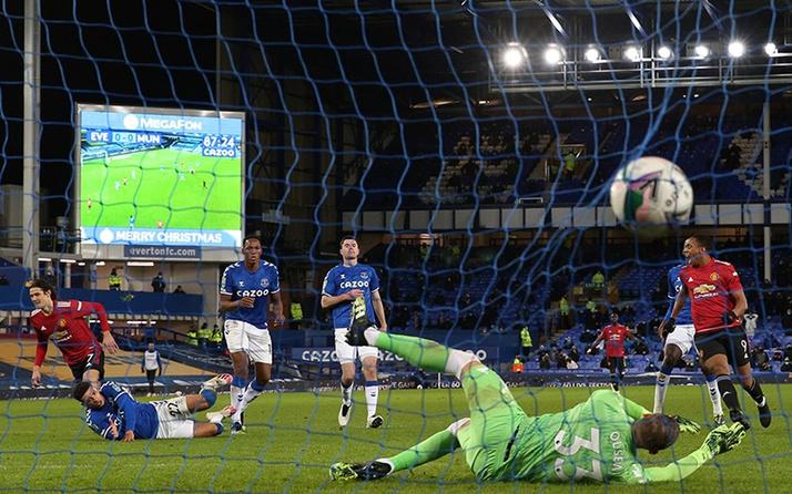 Manchester United son dakikalarda açıldı! Everton kupadan elendi