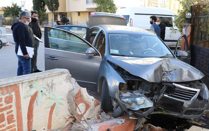 Antalya'da gündüz vakti önünü kestiler sürücü paniğe kapılınca olanlar oldu