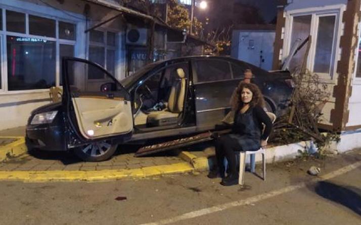 Eyüpsultan'da ilginç kaza: Kaldırıma çıkan otomobil motosiklet sürücüsünü ezdi