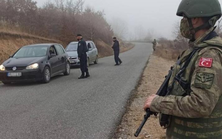 Türk askeri Kosova polisi ile Sırbistan sınırında ortak yol kontrolüne başladı