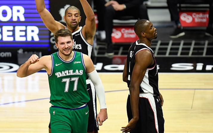 Dallas Mavericks rekor gecesinde farklı kazandı