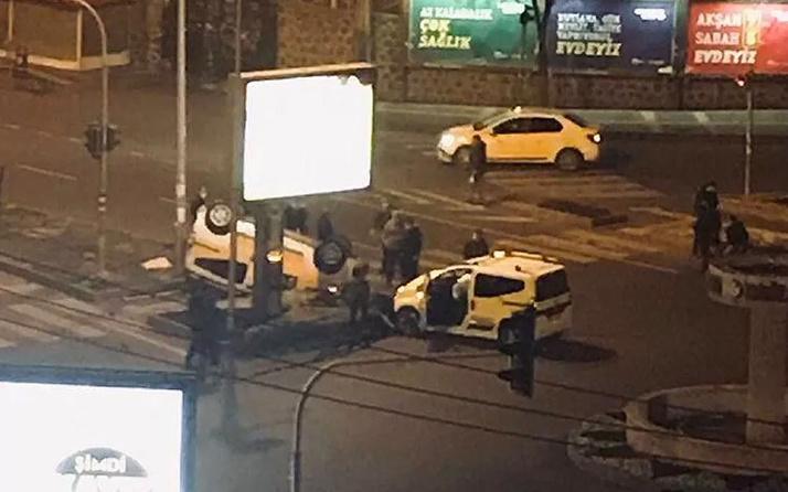 Olayın adresi Diyarbakır! Kısıtlamada taksiciler boş yolda kafa kafaya çarpıştı: 2 yaralı