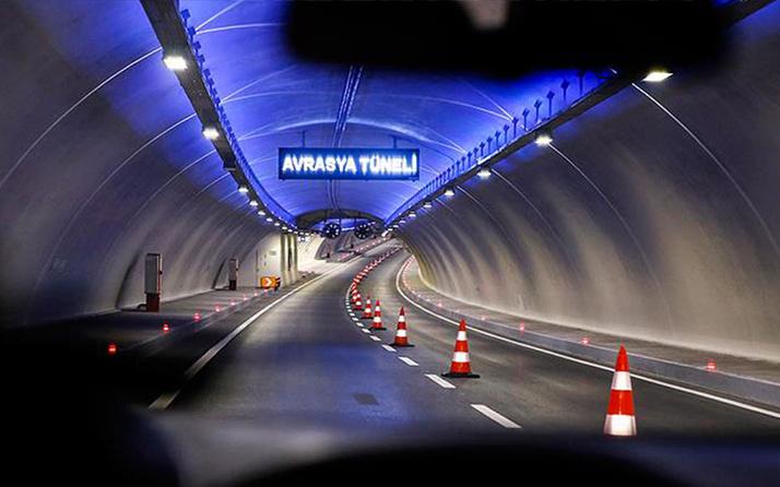Avrasya Tüneli girişinde otomobil takla attı! Sürücü yaralandı