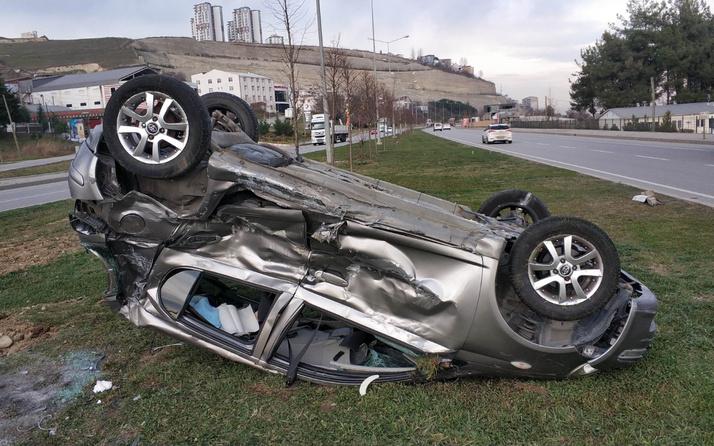 Samsun'da feci kaza! Refüje fırladı ters döndü yaralılar var