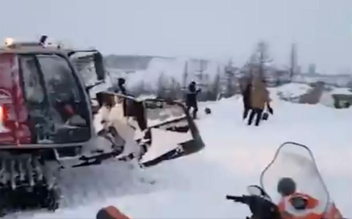 Rusya'da dağ oteline çığ düştü! Çok sayıda ölü