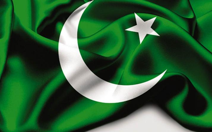 Pakistan'da Kovid-19 nedeniyle 2 ay ara verilen yüz yüze eğitim 'kademeli' olarak tekrar başladı