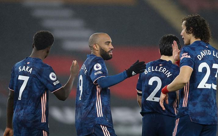 Arsenal, Southampton'ı rahat geçti