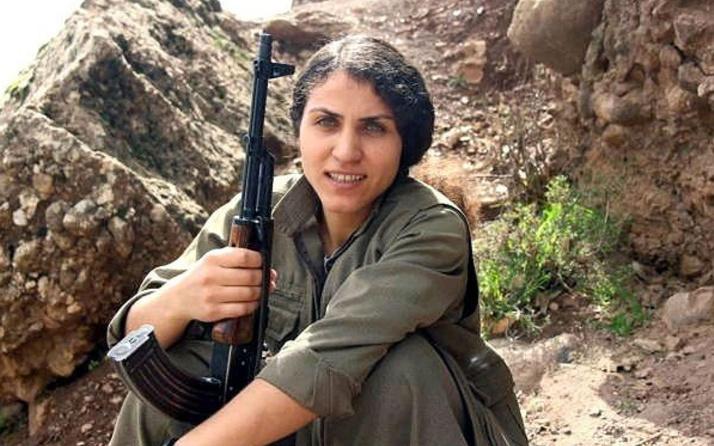 Mehmetçik paramotorla PKK'ya bomba taşıyan teröristi havada vurdu