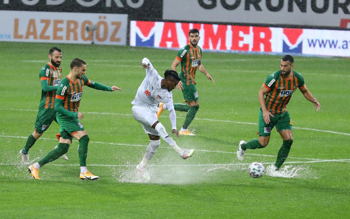 Alanyaspor - Sivasspor maçı yarıda kaldı