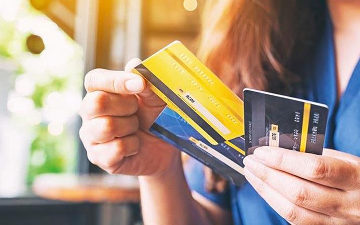 2020'de kartlı ödemeler yüzde 17 büyüyerek 1.15 trilyon TL'ye yükseldi