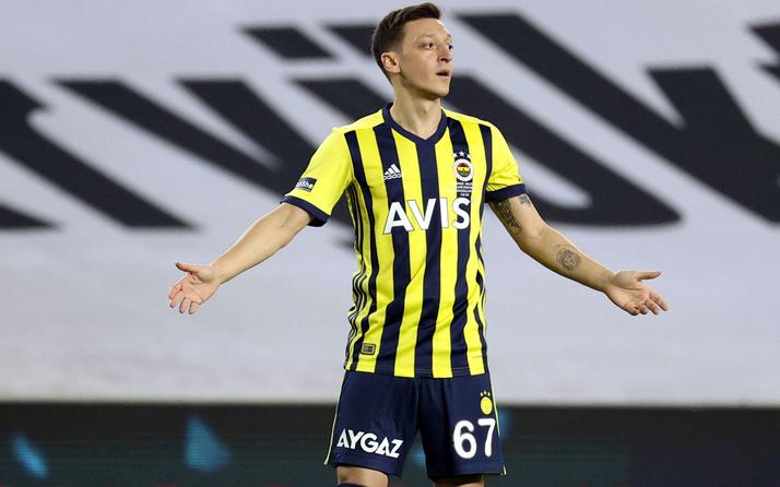 Mesut Özil, Mert Hakan Yandaş'ı solladı Fenerliler çileden çıktı