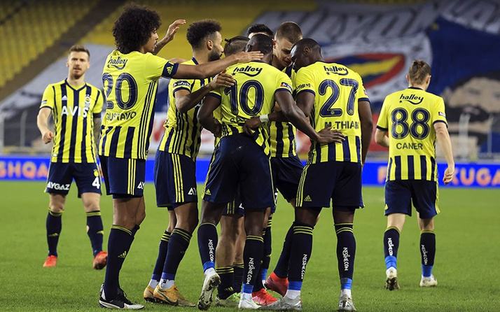 Fenerbahçe'de Gustavo ve Sosa polemiği! Tartışma alevleniyor