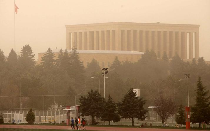 Ankara için fırtına alarmı verildi! Valilik: Çatılar uçabilir bacalara dikkat