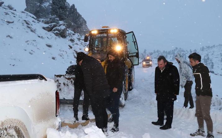 'Giden Gelmez Dağları'na yaban hayvanlarını yemlemeye giden ekip mahsur kaldı!
