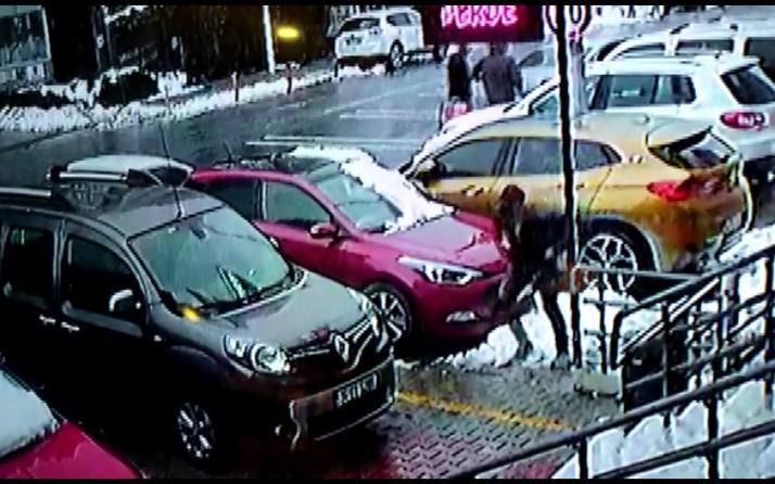 Ümraniye'de 3 hırsız gündüz vakti önce eve girdi sonra arabaları çaldı