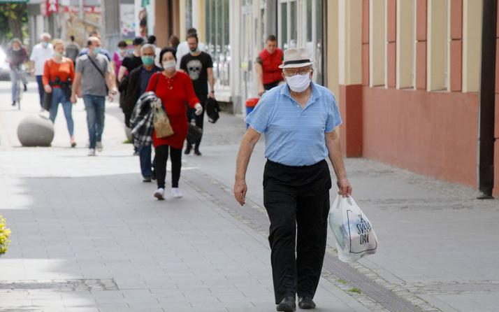 İzmir'de haftasonu sokağa çıkma yasağı kalktı mı Covid-19 kararı