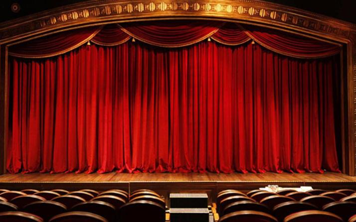 Şehir Tiyatroları'nda kadın oyunculara taciz iddiası! Hareketi seyircinin göremeyeceği yerden yapmış