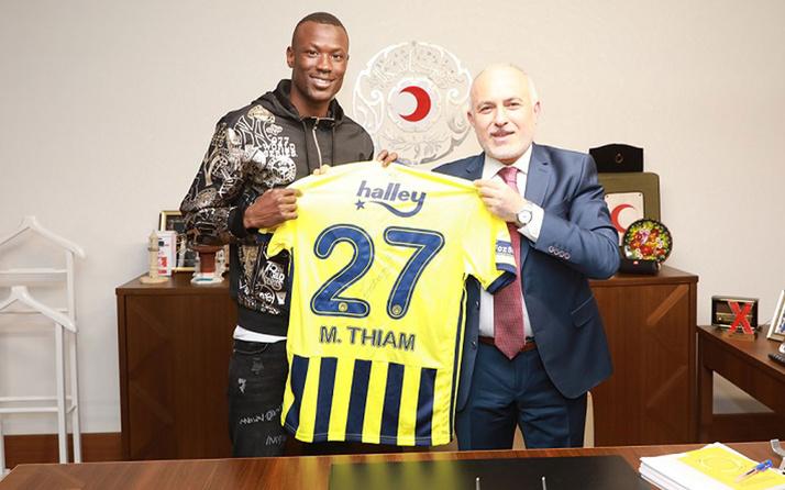 Fenerbahçeli Mame Thiam'dan Kızılay'a iş birliği ziyareti