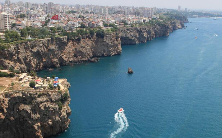 CHP'li başkanın Antalya falezleriyle ilgili projesine uzmanlardan karşı öneri geldi