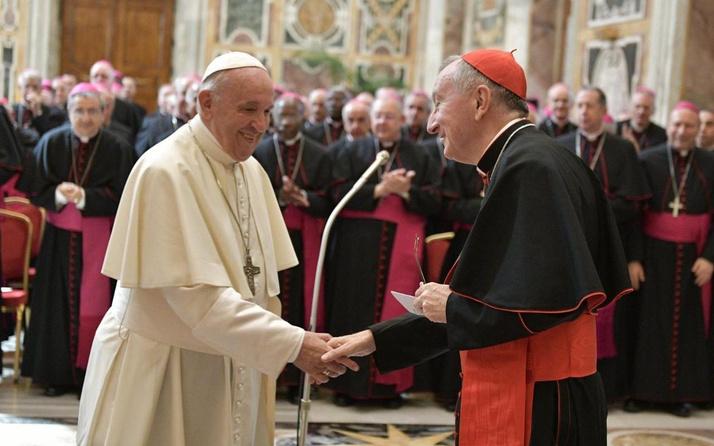 Vatikan'ın 'eşcinsel birliktelikler kutsanamaz' kararına Papa'dan onay çıktı