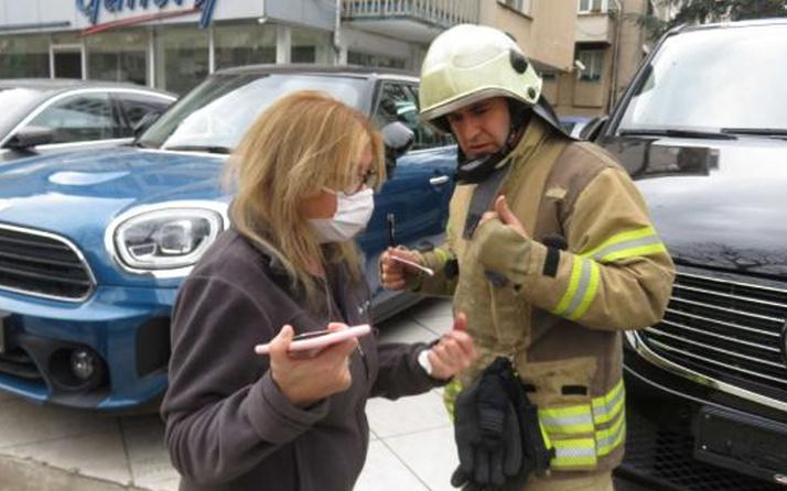 Kadıköy'de kazada lüks cip yan yattı kadın sürücü şoka girdi