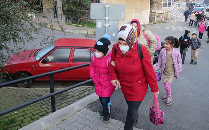Kırşehir'de Kovid-19 vakası görülen iki okulda yüz yüze eğitime 14 gün ara verildi