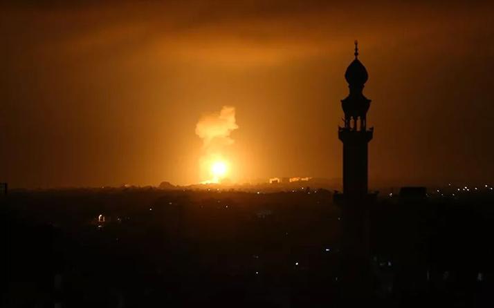 İsrail savaş uçakları Gazze'ye hava saldırısı düzenledi