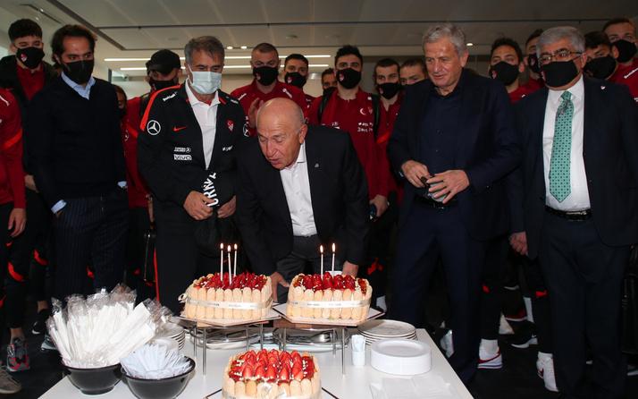 Nihat Özdemir'e doğum günü sürprizi
