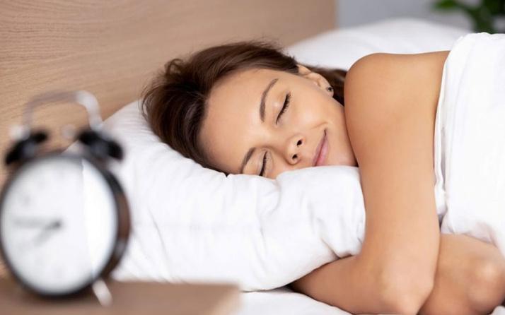 Uyku kalitesini artırmanın yolları deliksiz bir uyku için 11 kural!