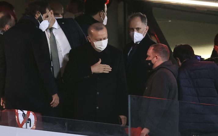 Cumhurbaşkanı Erdoğan, A Milli Futbol Takımı'nı Letonya maçında yalnız bırakmadı