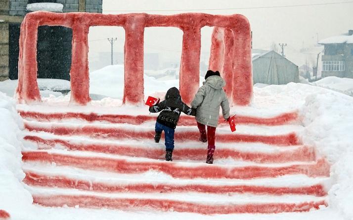 Babasıyla kardan Anıtkabir yapan Hira'nın hayali gerçek oldu