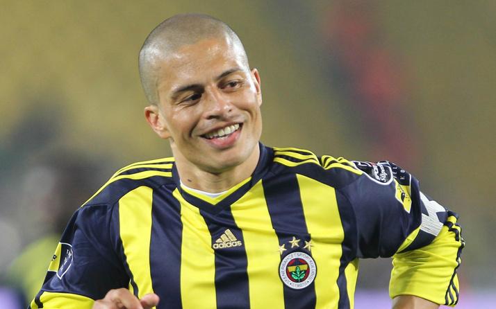Alex de Souza futbola başladığı Sao Paulo'da antrenör oldu